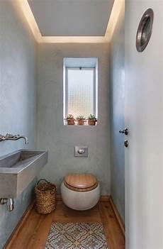 gäste wc farbig gestalten g 228 ste wc gestalten klein rustikal holzboden toilettensitz