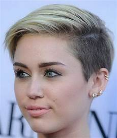 short sleek hairstyles for