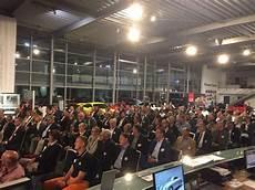 Vortrags Reihe Forum F 252 Hrung Zu Gast Im Porsche Zentrum