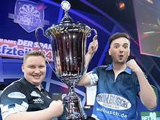 Promi Darts Wm 2018 Gewinner - promi darts wm teams teilnehmer und gewinner im 220 berblick