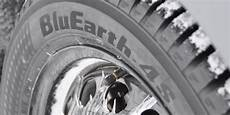 der ganzjahresreifen yokohama bluearth 4s aw21 im test
