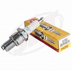 candela ngk br9es 404300390 candela ngk br9es filetto lungo con resistore