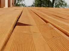 lame de terrasse meleze kinderzimmers terrasse robinier sur poutres douglas 45