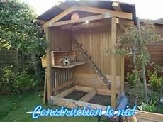 poulailler construit avec du bois de palettes