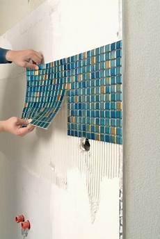 Mosaikfliesen Verlegen Im Badezimmer Badezimmer