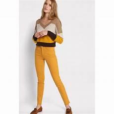 pantalon slim 5 poches jaune moutarde femme cache cache