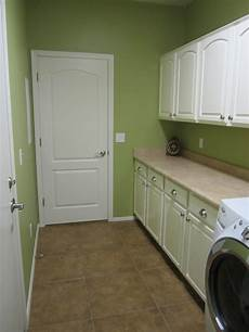 green walls in laundry room green rooms bedroom colors