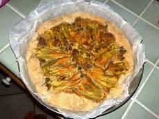 torta salata con fiori di zucca torta salata con fiori di zucca