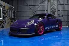 ultraviolet purple porsche gt3 rs with pink advanced
