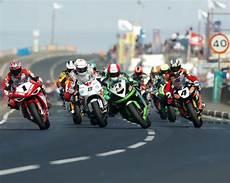 course de moto tout savoir sur les courses de moto