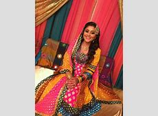 dholki mehndi mayoon look   Asian wedding dress, Pakistani