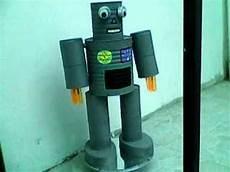 robot con material reciclado con movimiento m 225 s de 25 ideas incre 237 bles sobre robot con