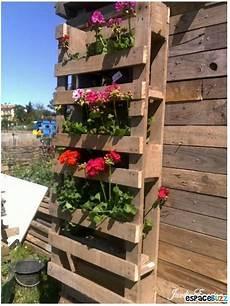pot de fleur en palette stunning deco jardin en palette photos house design
