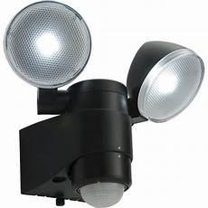 endon 54409 laryn pir battery operated led security light ip44 black