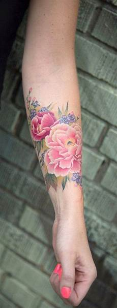 Blumen Arm - colorful watercolor flower forearm ideas for