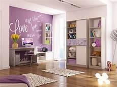 Kinderzimmer Lila Weiß - lila wandfarbe und wei 223 e schrift kinderzimmer m 228 dchen