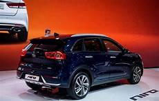 kia niro r 252 ckansicht der neue hybrid kia mit der
