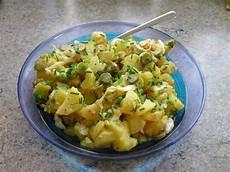 Kartoffelsalat Mit Ei - leichter kartoffelsalat mit kr 228 utern ei und gurke