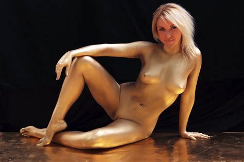 Julia Jones Nude Pics