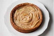 crema pasticcera alle nocciole crostata con crema pasticcera alle nocciole e pere fidelity cucina