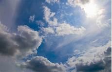 Gambar Langit Sinar Matahari Suasana Siang Hari