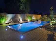 eclairage terrasse piscine la piscine paysag 233 e par l esprit piscine 8 x 4 m