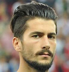 soccer haircuts name 29 best soccer player haircuts 2020 guide soccer player hairstyles soccer hair soccer