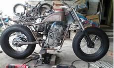 Modifikasi Motor Tiger 2000 by Modifikasi Motor Jadul Tiger 2000 Modifikasi Bobber