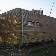 biohaus holzfassade haus minihaus haus auf stelzen