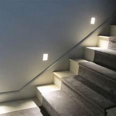 201 clairer un escalier avec des led 5 id 233 es faciles et