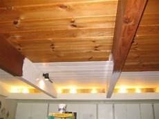 dunkle holzdecke aufhellen wood ceiling ideas to make your home artistic