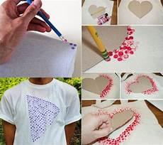 Bleistiftgummi Verwenden Um Kreise Auf T Shirt Zu Machen