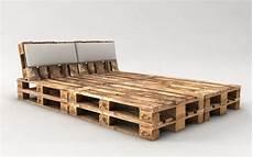 bett aus paletten bauen palettenbett bauen ganz einfach hier 2 praktische varianten baddy 12345 bett aus