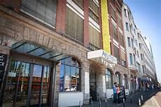 Travel Michelberger Hotel Berlin Sidewalk Hustle