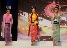 traditional dresses of south asia what are the similarities between southeast asian