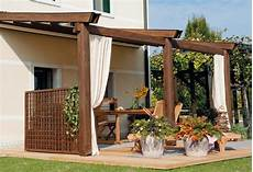 tettoie per terrazzi in legno strutture in legno per terrazzi pergole e tettoie da