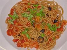 spaghetti mit garnelen spaghetti mit garnelen oliven und tomaten muuu1