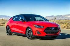 2019 hyundai veloster turbo refreshing or revolting 2019 hyundai veloster motor trend