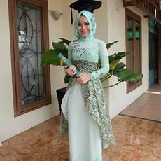 65 Model Gaun Kebaya Pesta Terbaru 2019 Eksklusif