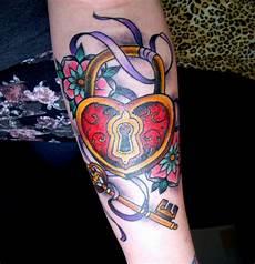 tatuaggio cuore con fiori 1001 idee per school tutte da personalizzare