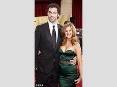 sacha baron cohen wife daughters