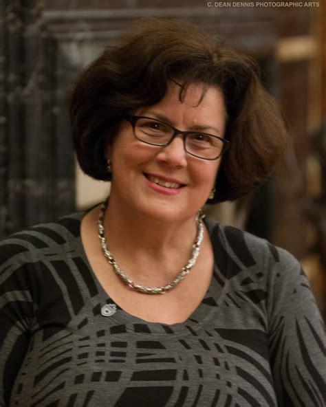 Wilma Naken
