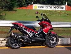 Modifikasi Motor Aerox 155 by Modifikasi Yamaha Aerox 155 Touring Terkeren