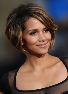 celebrity hairstyles haircut ideas halle berry chin