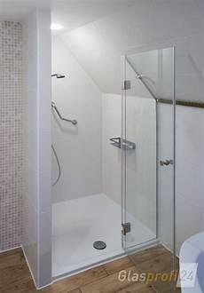dusche in schräge nischen duschabtrennung mit klarglas badezimmer