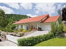 bungalow im landhausstil kundenhaus familie aigner einfamilienhaus ostrauer