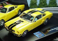 Carrera 27148 1965 Ford Mustang GT Slot Car 1/32 Evolution