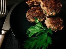 frikadellen ohne brötchen low carb frikadellen ohne semmelbr 246 sel fleisch low