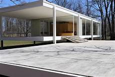 building farnsworth house by mies der rohe