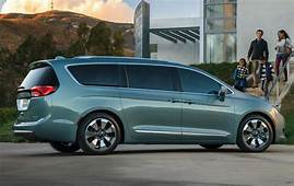 2018 Chrysler Town And Country Model